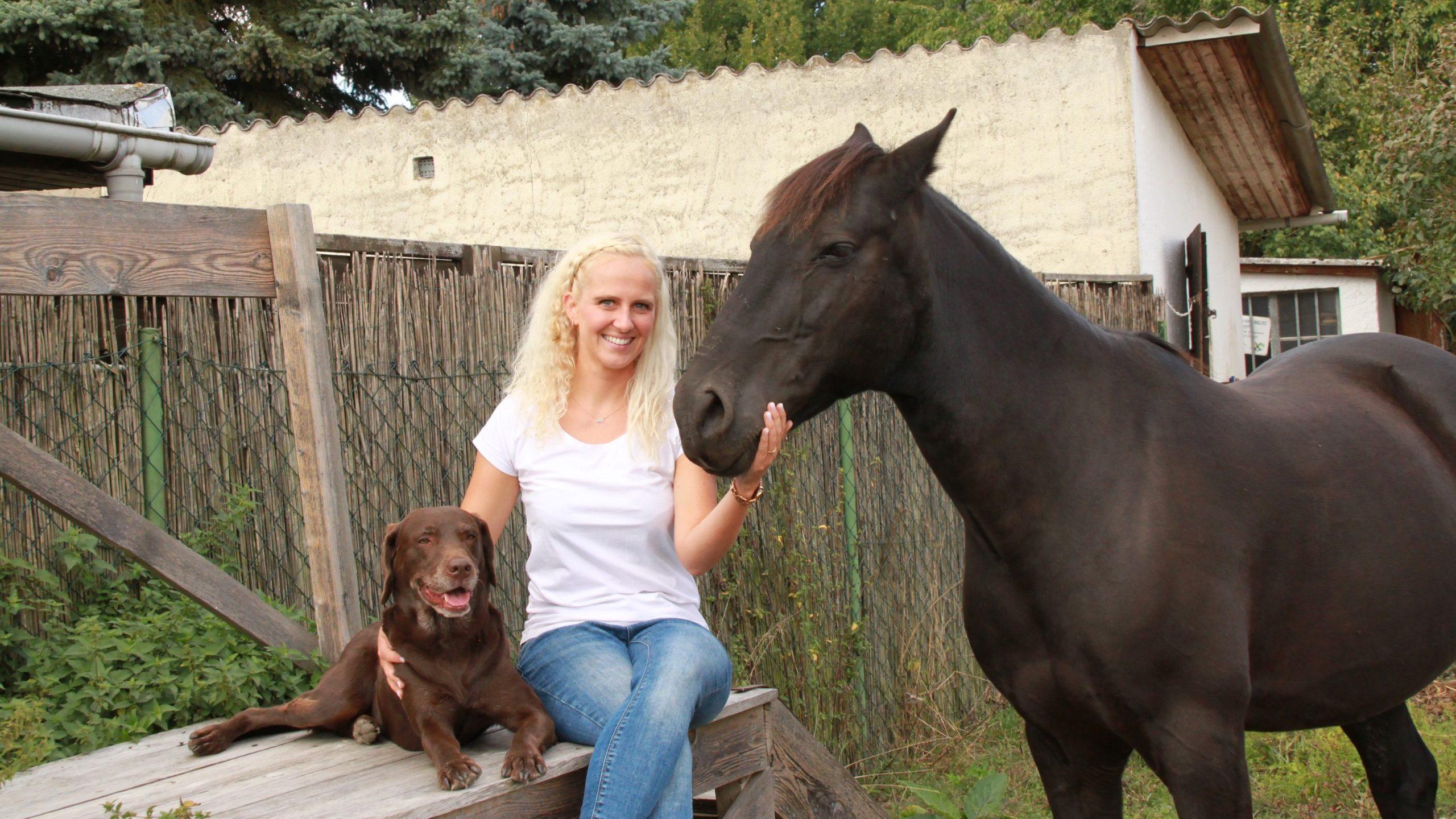 Jenny_mit Hund und Pferd